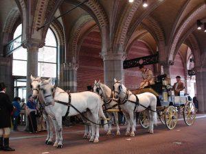Jonkheer Van Loon Jachtbreak onder Rijksmuseum